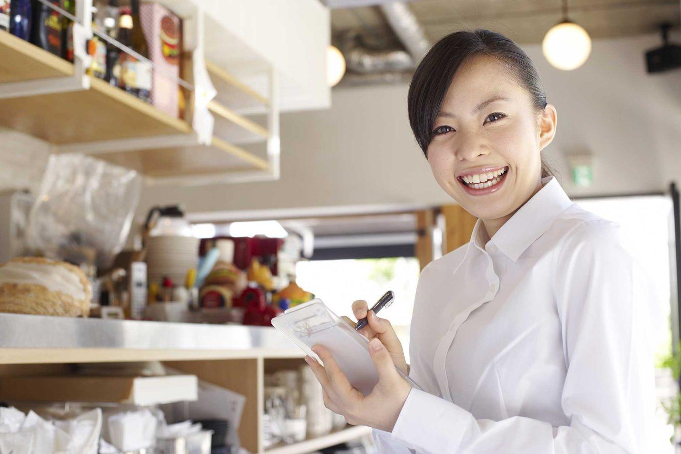 カフェを開業するには? 手続き・資金調達・広告宣伝まとめ